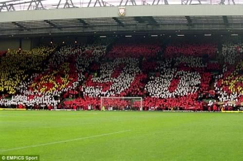 Никогда не забывайте: болельщики Ливерпуля показать свое уважение к людям, которые умерли до домашней игре на Энфилде