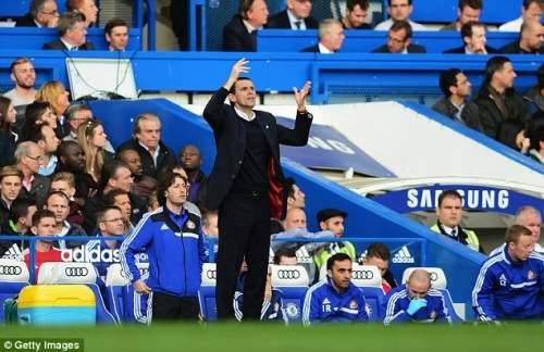 Виталий: Гас Пойет теперь видел его команда взять четыре очка сюрприз от Ман Сити и Челси