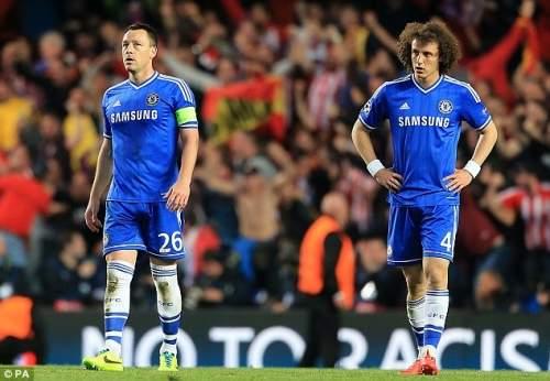 Понижение: Давид Луис (справа) показал Терри не был единственным игроком плакать следующие ликвидации Челси из Лиги чемпионов в среду