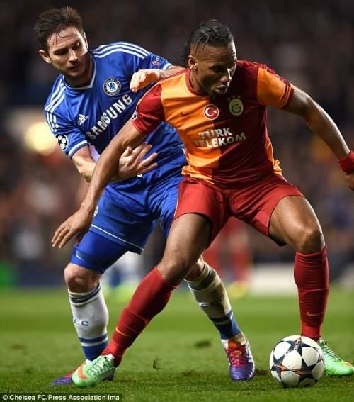 Один в одного из них: Дрогба возвращается в Челси после двух лет в сторону, так же, как Фрэнк Лэмпард уходит в Нью-Йорке